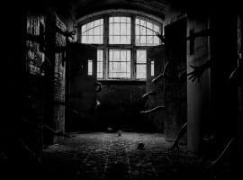 חדר בריחה 🔒 בית משוגעים