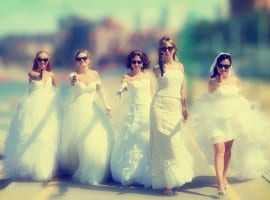 בדרך לחתונה עוצרות בחדר בריחה: מסיבת רווקות אחרת