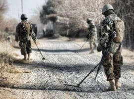 חדר בריחה חיילי צעצוע Toy Soldiers SE