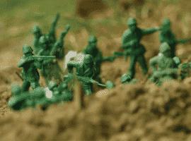 חדר בריחה חיילי צעצוע